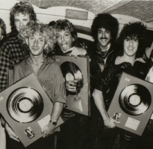 2_garymoore_band_with_phil_lynott_1985
